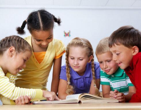 niños en lectura